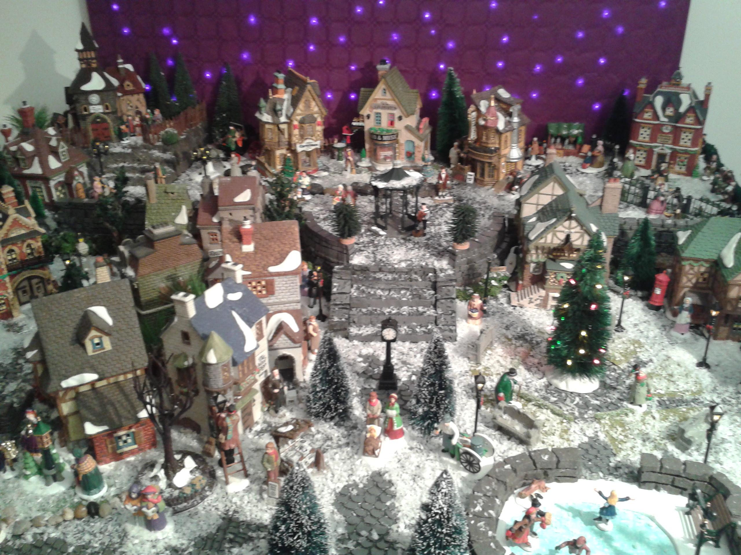 Mi ciudad navide a 2013 my christmas village for Villas navidenas de porcelana